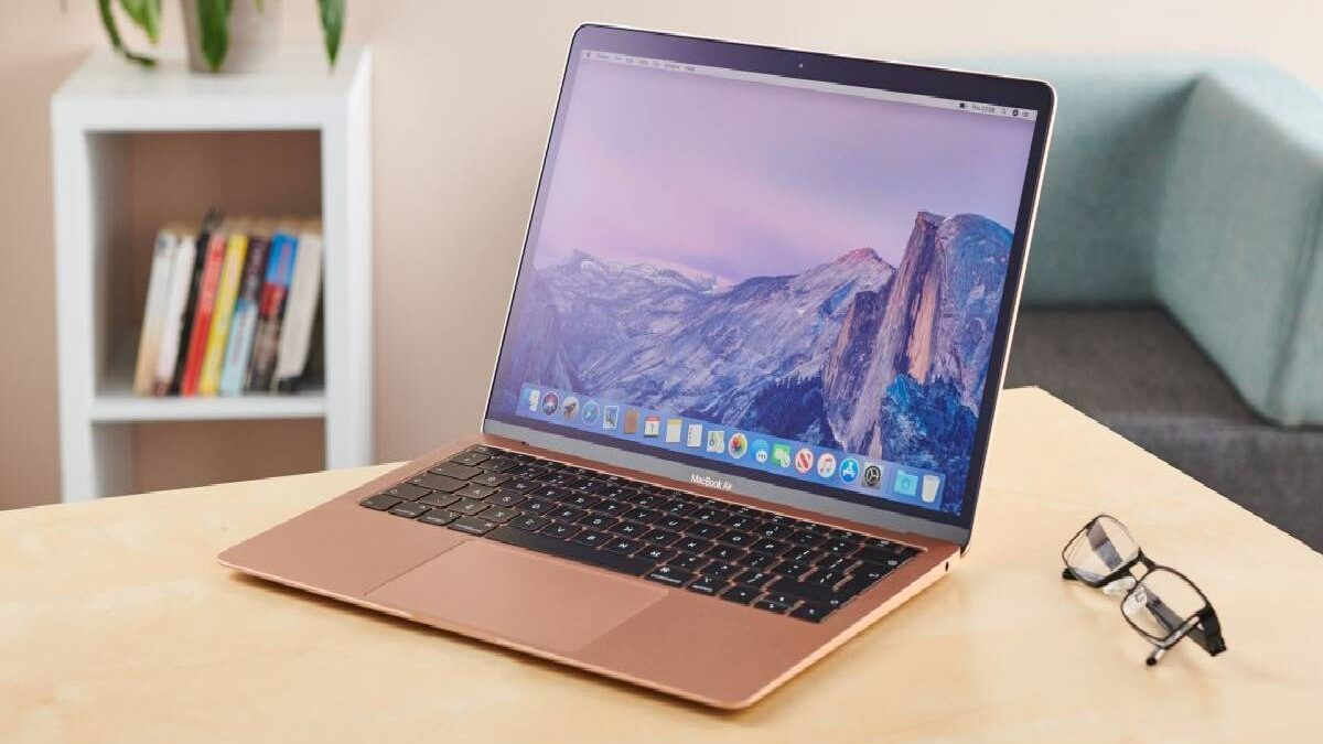 Macbook Air – Design, Monitor, Performance, and More