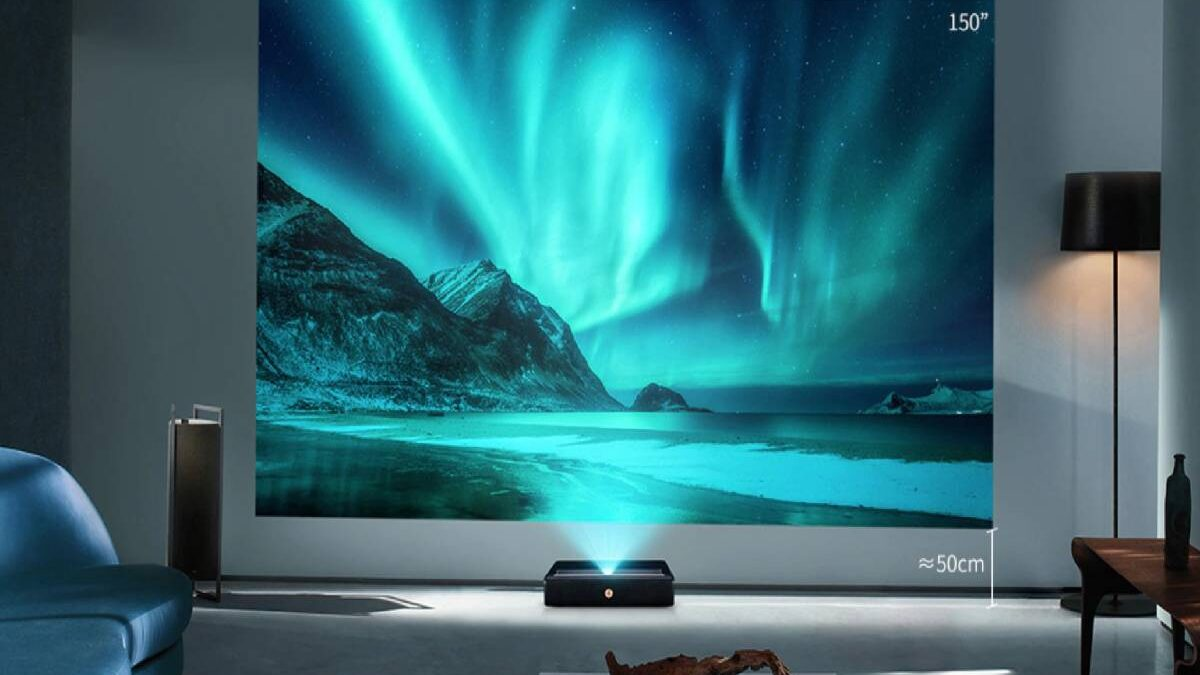 Ultra Short Throw Projector – Differences, Best Options to Consider, and More